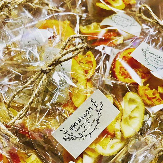 こんばんは!.来週から始まるPopupCafe HAKKOHliciouce .フライヤーをお持ちで、来店頂いたお客様に、プレゼントの発酵ドライフルーツ.とっても可愛く仕上がりました。.レモン、タンカン、ブラッドオレンジ.#healthyfood #medicinalfood#fruits#健康 #ヘルシーフード#手作り酵素ジュース #発酵 #発酵フルーツ #薬膳 #中医 #ドードーの空@dodonosorakitchenhttps://dodonosora.jp/